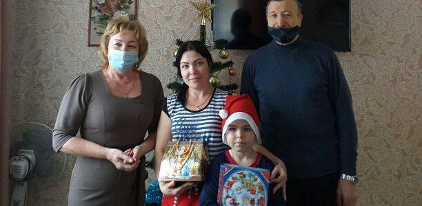 В городе Алейске на Новый год вручали подарки детям ветеранов боевых действий из числа членов АКО ООО РСВА