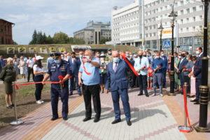 В Барнауле открыли Сквер десантников